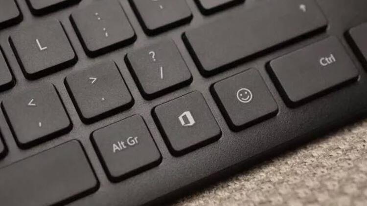 Klavyelerde artık Emoji tuşu da olacak