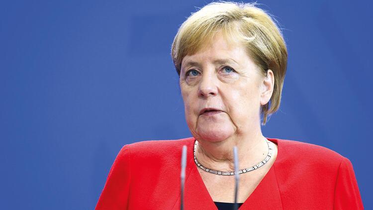 Merkel'den Türkiye'ye: Operasyon bitmeli