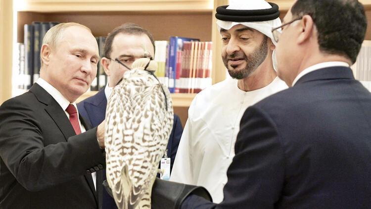 Putin'e BAE'de şaşaalı karşılama