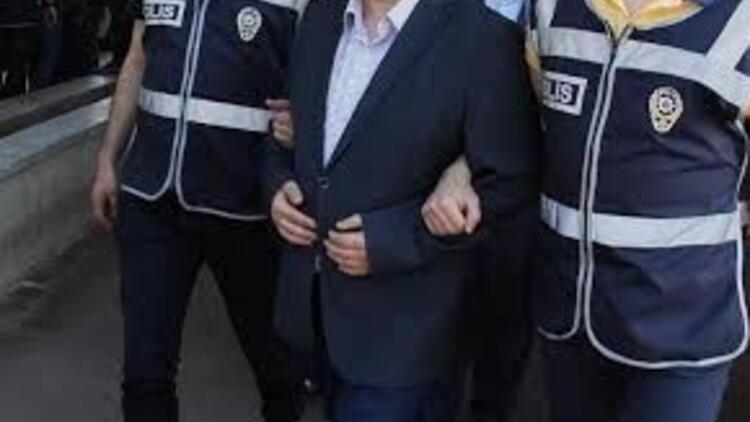 Aranan FETÖ şüphelisi akrabasının evinde yakalandı