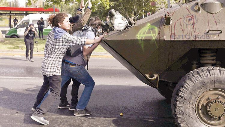 Şili'de şiddet: 3 ölü