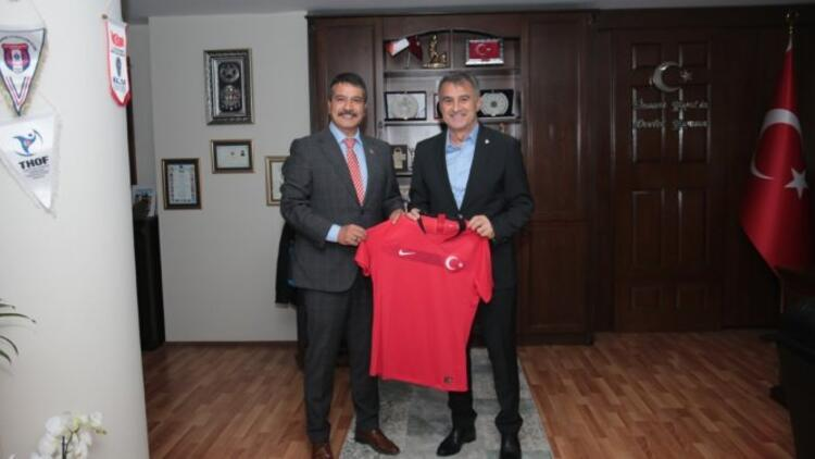 Şenol Güneş'ten, Trabzon Emniyet Müdürü Alper'e ziyaret