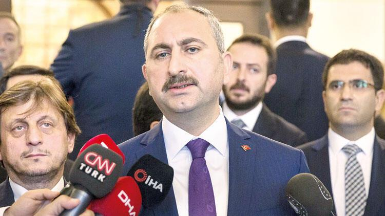 HSK'da iki kritik istifa jet seçim
