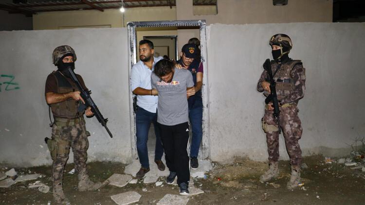 Adana'da DEAŞ'ın keşifçileri yakalandı