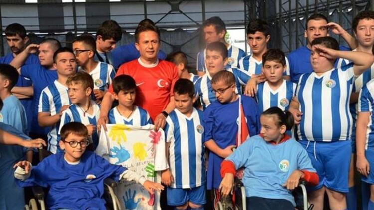 """Tuzla Belediyesi'nden """"Engelsiz maç"""""""