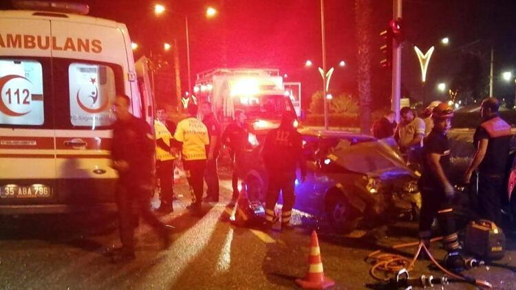 Kırmızı ışıkta kaza: 1 ölü, 5 yaralı