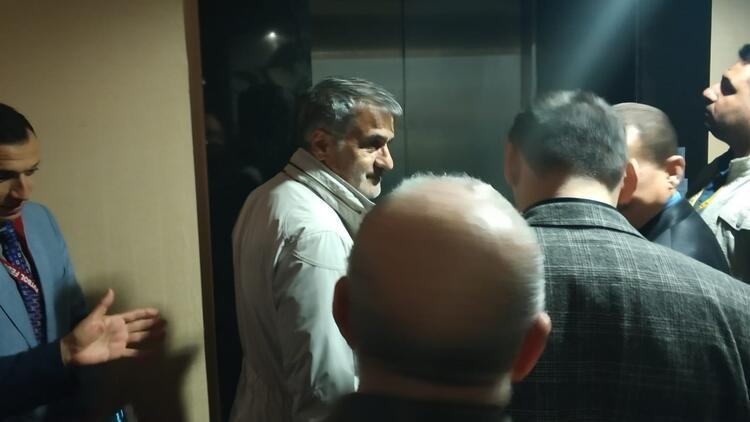 """Şenol Güneş'in güldüren asansör anları! """"Ayıp oldu..."""""""