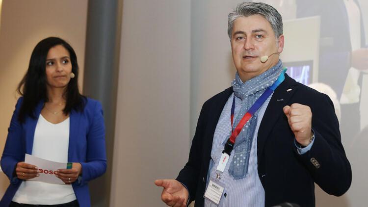 Almanya'da 'Türkiye'nin Otomobili'ni anlattı
