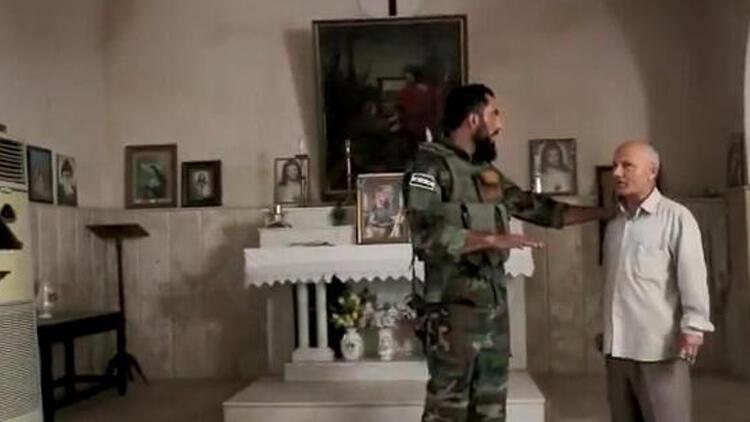 SMO, Resulayn'da patlayıcılardan temizlediği kiliseyi Hristiyanlara teslim etti