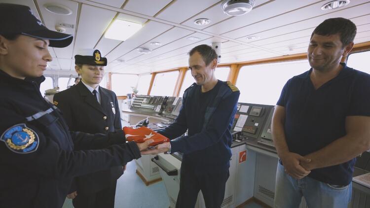Valilikten 29 Ekim uygulaması: Geçen tüm gemilere...