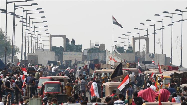 İran, Irak'taki eylemler nedeniyle Mehran Sınır Kapısı'nı kapattı