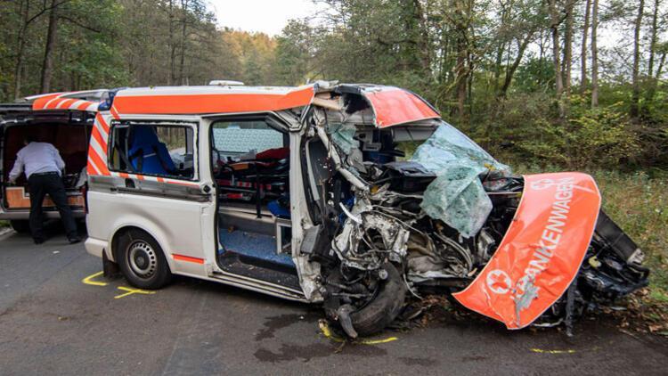 Ambulans kaza yaptı, içindeki hasta öldü
