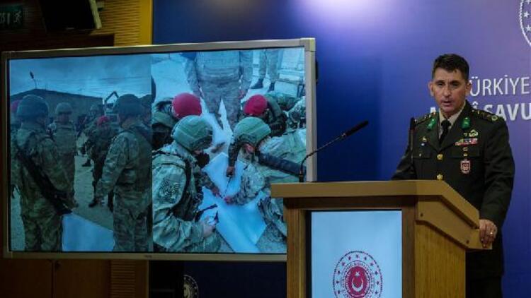 Barış Pınarı Harekatı bilgilendirme toplantısı: 'Tel Abyad'da 1 ton amonyum nitrat ele geçirildi'