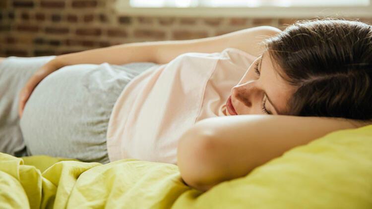 Hamilelikte Uykuyu Kolaylaştıracak 8 Küçük Alışkanlık