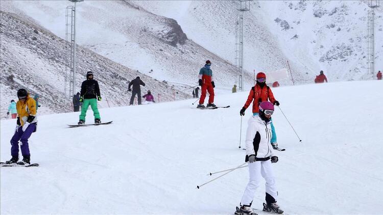 Kayağın merkezi Palandöken yeni sezonda cıvıl cıvıl olacak