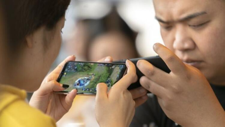 18 yaş altındakilere internet üzerinden oynanan oyunlarda süre ve para sınırı getirildi