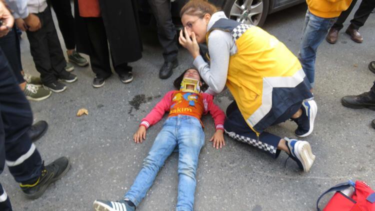 Ataşehir'de 8 yaşındaki öğrenciye otomobil çarptı