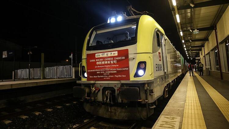 Çin'den Avrupa'ya giden ilk yük treni Kapıkule'de