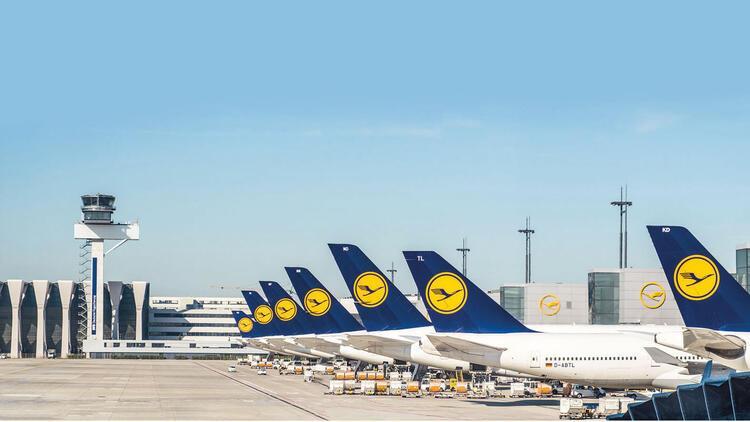 Havada grev var: 1300 uçuş iptal edildi