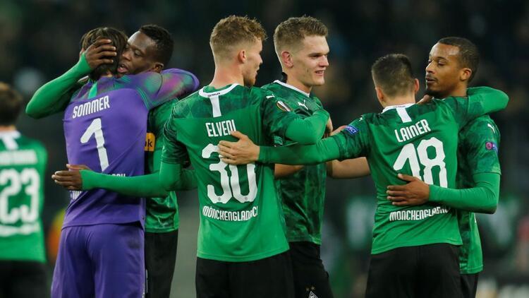 Mönchengladbach kazandı, Başakşehir'e yaradı