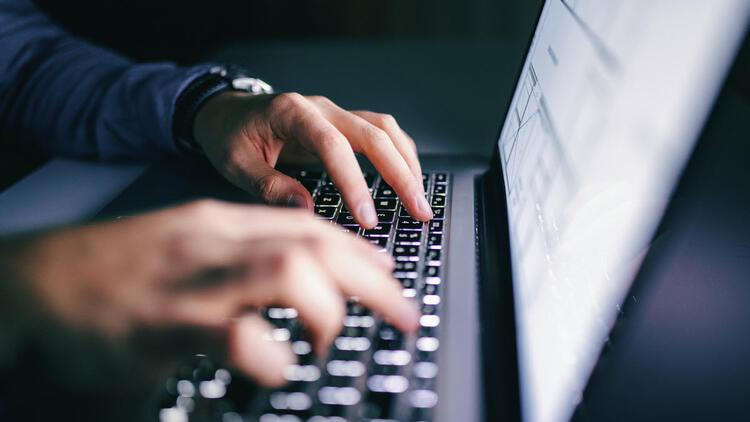 Güvenli internet için yarışma: 50 bin TL burs dağıtılacak