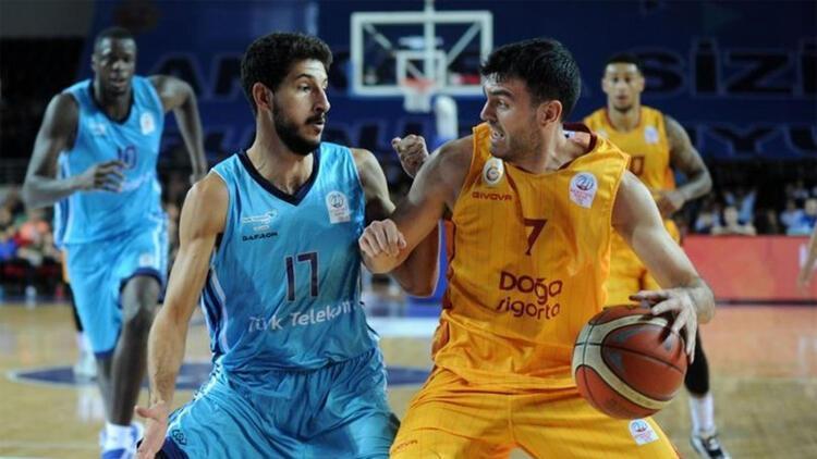 Türk Telekom Basketbol'dan her seyirciye bir fidan