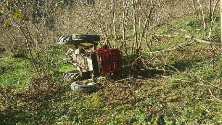 Fındık bahçesinde devrilen traktörün altında kalarak öldü