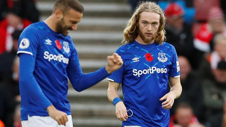 Premier Lig'de Cenk Tosun oynadı, Everton kazandı!