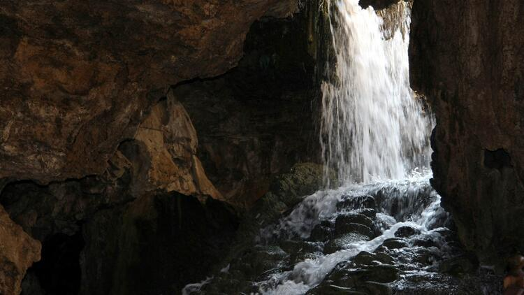 Yer altındaki beyaz cennet Kaklık Mağarası ziyaretçilerini bekliyor
