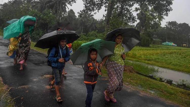 Bangladeş'te en az 1,5 milyon kişi tahliye edildi