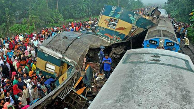 Bangladeş'te iki tren çarpıştı: 16 ölü, 48 yaralı