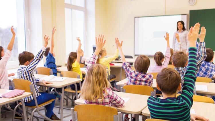 Öğretmenlere trende ve kargoda indirim