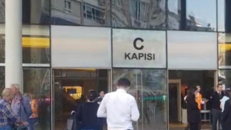 Son dakika... Bakırköy'de AVM'de yangın paniği