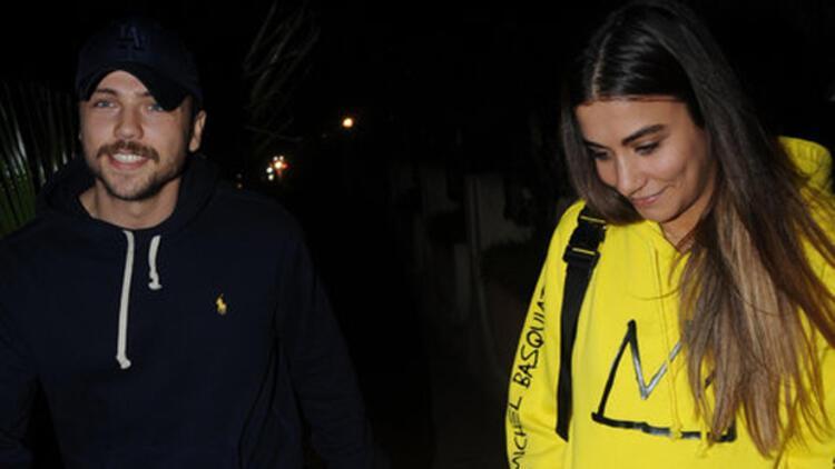 Tolga Sarıtaş sevgilisi Zeynep Mayruk'la gecelerde