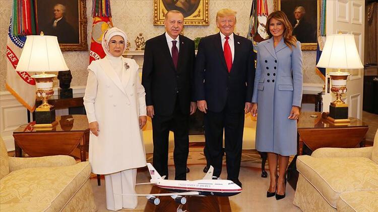 Trump Cumhurbaşkanı Erdoğan'ın ziyareti esnasındaki aile fotoğrafını paylaştı