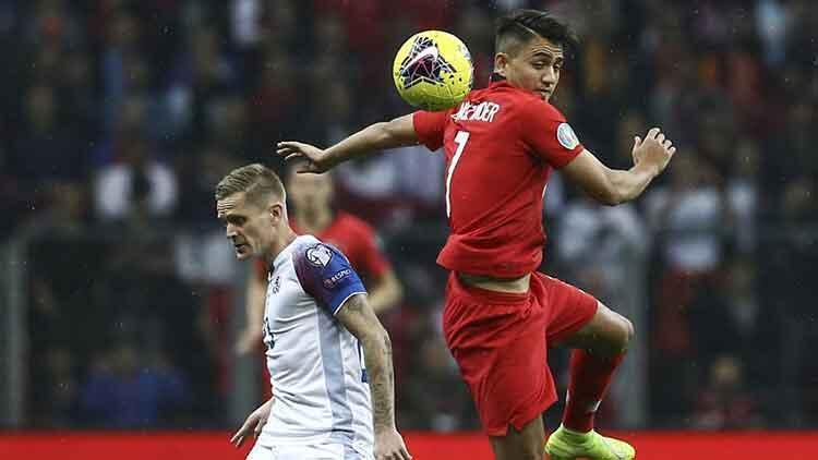 Skulason'dan hakem eleştirisi: 52 bin Türk'ün önünde penaltı vermek cesaret ister