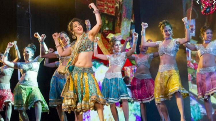 Bollywood renkleri İstanbul'da