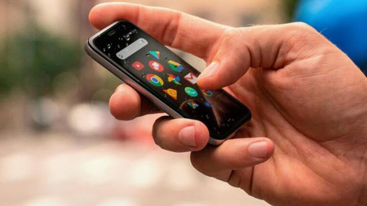 Palm: Dünyanın en minik telefonuyla tanışın