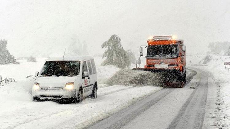 Yollarda karla mücadeleye sıkı takip