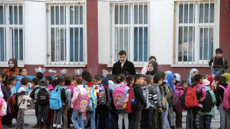 Akçakale'de telafi eğitimi ara tatilde devam ediyor