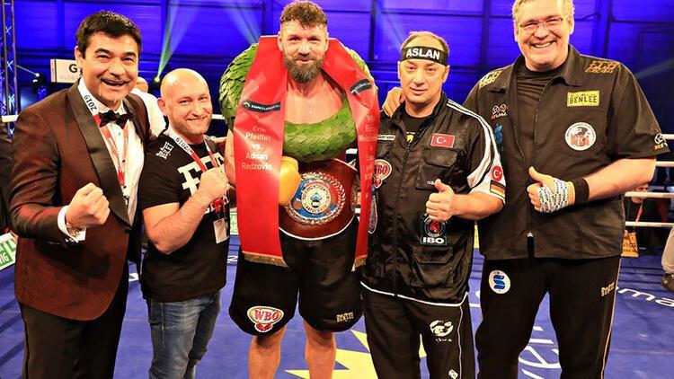 WBO ağır sıklet Avrupa Şampiyonu Pfeifer