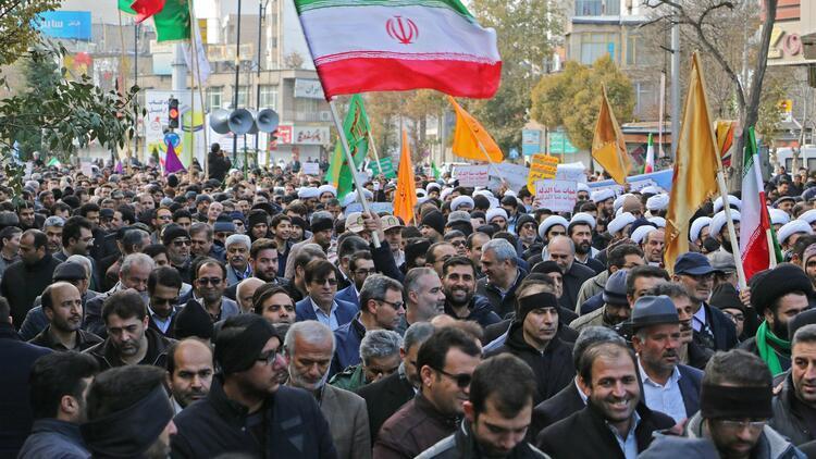 İran'da gösteriler sırasında en az 143 kişi hayatını kaybetti