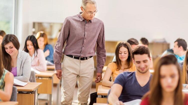 Tez danışmanı öğretim üyelerine 'öğrenci sınırlaması' getirildi