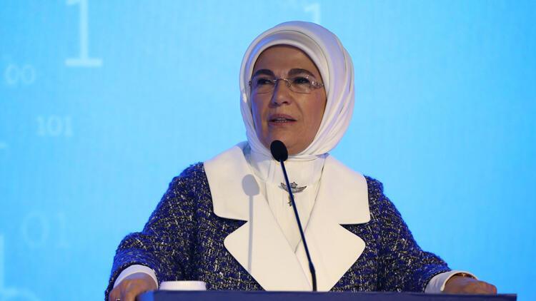 Emine Erdoğan: Dünyada kadın ruhunun daha etkin olacağı bir gelecek bekliyor