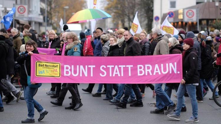 Hannover nazilere karşı ayağa kalktı: 'Bizim sayımız daha fazla'