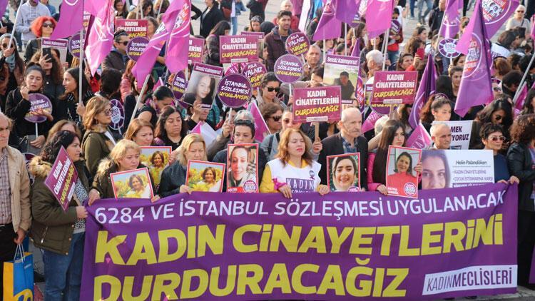 Kadıköy'dekadın cinayetlerini protesto ettiler
