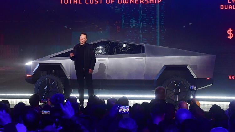 Tesla'nın Cybertruck tanıtımı skandal olmuştu! Rekor sipariş geldi