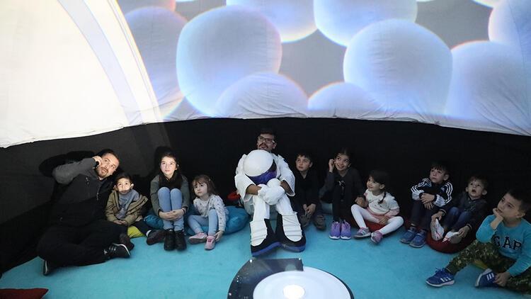 Mudanyalı öğrenciler planetaryum ile gök bilimlerini öğrendi