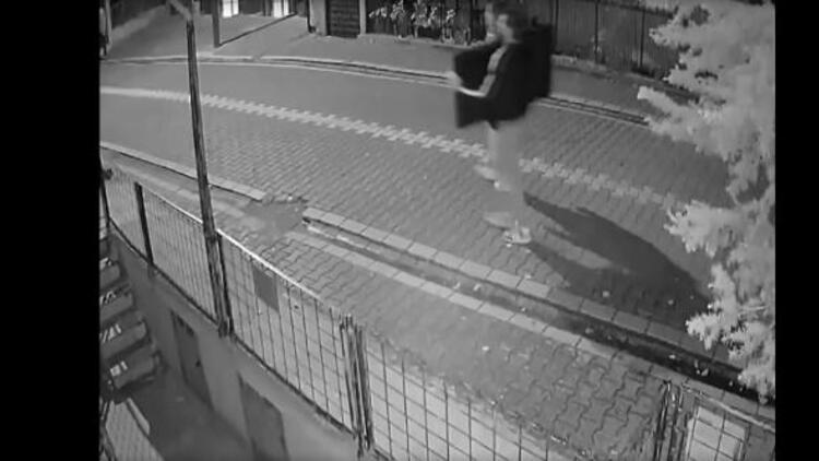 Esenyurt'ta kameralara yakalandı