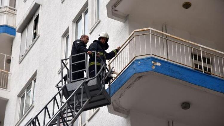 Polis evinde ararken o tatilde çıktı